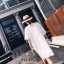 เดรสแฟชั่น เดรสสีขาวคอวี ผ้ามุ้งแต่งขนแบบเส้นๆ ในตัว thumbnail 7