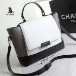 กระเป๋าสะพายแฟชั่นสไตล์เกาหลี ทรงปีกผีเสื้อ โทนสีดำตัดขาว สวยคลาสสิค