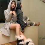 2013 เสื้อคลุมกันหนาว มีฮู้ดหูกระต่ายน้อยน่ารัก สีเเทาอ่อน ผ้าฝ้ายหนาฟูลเลอร์ ซิปหน้า เอวรูด มีสายผูกที่เอว สวยน่ารักมากค่ะ