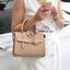 กระเป๋าถือและสะพายสไตล์ Lyn around thumbnail 4