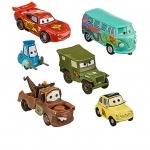 Lightning McQueen Pit Crew Figure Play Set