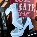 พรีออเดอร์ รองเท้าแฟชั่นผู้หญิง ส้นสูง หัวแหลม หนังแท้ สีฟ้า Brand: Xuan Hong Mi เสื้อผ้าแฟชั่นสไตล์เรโทร