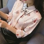 Pre-Order เสื้อเชิ้ตผู้หญิง แขนยาว สีขาวพิมพ์ลาย ผ้าชีฟอง แต่งปกลายการ์ตูนน่ารัก