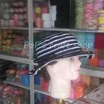 หมวกถัก โครเชต์ ลายริ้ว ดำ-ขาว