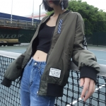 [Preorder] เสื้อแจ็คเก็ตใส่ได้ 2 ด้านในตัวเดียว (มีด้านสีเขียวขี้ม้า กับด้านสีดำ)