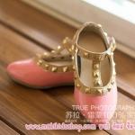 รองเท้าเด็ก สไตล์วาเลนติโน่ สีชมพู