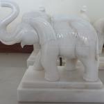 ช้างหินอ่อน ขนาด กว้าง 25 สูง 30 เซนติเมตร