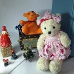 ตุ๊กตาหมี ใส่ชุดสีชมพูผูกโบว์ size M