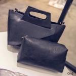 กระเป๋าหนังถือพร้อมสายสะพายยาวได้ มี กระเป๋าใบเล็ก