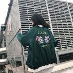 [Preorder] เสื้อแจ๊คเก็ตสีเขียวเข้มปักลายหัวกระโหลกที่หลัง