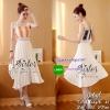 สินค้าพร้อมส่ง 한국에 의해 설계된 2sister made, 2Sweet Color Elegant & Sexy Flora Dress เดรสลุคสาวหวาน ช่วงบนเป็นผ้าลูกไม้เกรดดีทอสลับสีเป็นลายทางสวย ดีเทลสายเดี่ยว ตัดต่อด้วยกระโปรงระบายบาน เนื้อผ้าchiffonอัดจีบพลีทสวยมากๆค่ะ มีซับในให้อย่างดีนะคะ สามารถใส่ได้หล