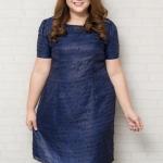 รายละเอียด :ชุดเดรสไซส์ใหญ่แขนสั้นผ้าชีฟองสีน้ำเงินพิมพ์ลายตัวอักษรสีดำบุซับใน (XL,2XL,3XL,4XL) เพิ่มเติม ** ชุดเดรสทำงานไซส์ใหญ่ แขนสั้นผ้าชีฟอง โทนสีน้ำเงิน เนื้อผ้ามีประกายสีทอง พิมพ์ลายตัวอักษรสีดำ ชุดเป็นแบบเรียบๆ เข้ารูปช่วงเอวนิดๆ บุซับใน ซิปซ่อนด้