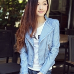 เสื้อผ้าแฟชั่นนำเข้า : เสื้อแจ็คเก็ต เสื้อหนังแฟชั่น พร้อมส่ง สีฟ้า หนังด้าน มาดเซอร์ คอจีน ดีเทลด้วยปกโฉบเฉี่ยว สุดเท่ห์ รายละเอียดเพิ่มเติม : หนัง PU คุณภาพดี แต่งกระเป๋าหลอก หนังเนื้อนิ่มหน้าใส่ แต่งผ้าซับใน คัตติ้งดี งานเนี๊ยบ