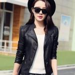 เสื้อผ้าแฟชั่นนำเข้า : เสื้อแจ็คเก็ต เสื้อหนังแฟชั่น พร้อมส่ง สีดำ คอจีน ดีเทลด้วยปกโฉบเฉี่ยว แต่งกระเป๋าหลอกด้วยซิบรูด สุดเท่ห์ รายละเอียดเพิ่มเติม : หนังเนื้อนิ่มหน้าใส่ แต่งผ้าซับใน