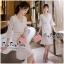 Luxurious Florals Vintage Chic White Lace Dress เดรสผ้าลูกไม้ทั้งตัวใส่ออกงานได้ลุคหรูหรามากค่ะ เนื้อผ้าลูกไม้ทั้งตัวสไตล์งานแบรนด์ ช่วงคอเป็นวีเย็บประดับด้วยเนื้อผ้าเพิ่มความสวยเก๋ให้กับชุด ช่วงแขนยาวปิดศอกบานปลายนิดๆให้ชุดดูไม่เรียบจนเกินไป ช่วงเอวเล่นล thumbnail 5