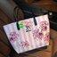 Don't Miss! พร้อมส่งความสวย Victoria's Secret Vintage Flower Print Shoulder Bag กระเป๋าสะพายสไตล์วินเทจจาก Victoria's Secret หนัง Saffiano (กันนำ้) สกรีนลายดอกไม้เปิดปิดด้วยซิป หัวซิปโลโก้ VS ด้านหน้าประดับตัวอักษร VS ภายในดำมีช่องซิปและช่อ thumbnail 14