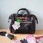 Anello 2way boston leather pu mini bag กระเป๋าสุดฮิตสะพายข้าง หนัง ขนาดกะทัดรัด ใส่กระเป๋าสตางค์ใบยาว มือถือ แว่น นาฬิกา ของจุกจิกได้ค่ะ ซับด้านในกระเป๋าจะเป็นสีเข้ม ตามสีกระเป๋า น้ำหนักตัวกระเป๋าประมาณ 280 กรัม สายสามารถถอดออกได้ ทำได้ 2 ทรง จะถือ หรือสะ thumbnail 2