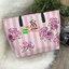 Don't Miss! พร้อมส่งความสวย Victoria's Secret Vintage Flower Print Shoulder Bag กระเป๋าสะพายสไตล์วินเทจจาก Victoria's Secret หนัง Saffiano (กันนำ้) สกรีนลายดอกไม้เปิดปิดด้วยซิป หัวซิปโลโก้ VS ด้านหน้าประดับตัวอักษร VS ภายในดำมีช่องซิปและช่อ thumbnail 12