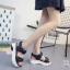 พร้อมส่ง รุ่นแนะนำ รองเท้าแตะลำลองหนังรัดส้น วัสดุสายคาดหนังนิ่ม พื้นยางสังเคราะห์นิ่มและเบามาก พื้นสูง 2 นิ้ว พื้นออกแบบมาให้รองรับฝ่าเท้าใส่สบายเท้าสุดๆ คุ้มค่าเกินราคา สาวๆที่ชื่นชอบงานสไตล์นี้ ใส่แต่งตัวได้หลายแนวมาก ห้ามพลาดกันจร้า thumbnail 5