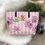 Don't Miss! พร้อมส่งความสวย Victoria's Secret Vintage Flower Print Shoulder Bag กระเป๋าสะพายสไตล์วินเทจจาก Victoria's Secret หนัง Saffiano (กันนำ้) สกรีนลายดอกไม้เปิดปิดด้วยซิป หัวซิปโลโก้ VS ด้านหน้าประดับตัวอักษร VS ภายในดำมีช่องซิปและช่อ thumbnail 15