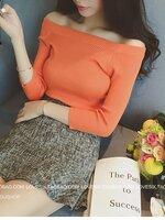 เสื้อยืดคอตตอนยืดทอแบบลอนลูกฟูก เปิดไหล่ สีส้ม